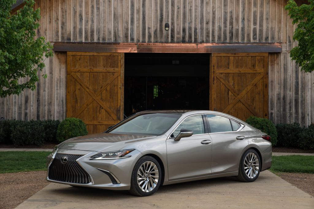 Long Known For Its Unparalleled Comfort Refinement And Luxury Ointments The 2019 Lexus Es